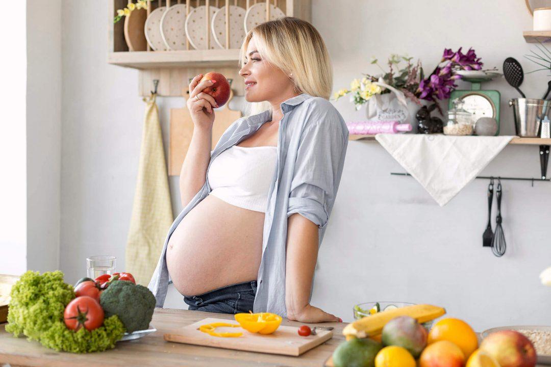 trudnica jede jabiku